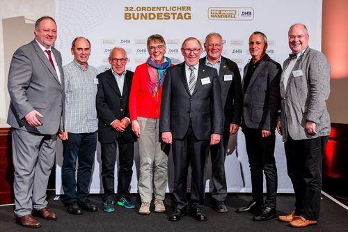 Quelle: Sascha Klahn/DHB - Geehrte mit BHV-Präsident Holger Nickert (rechts)