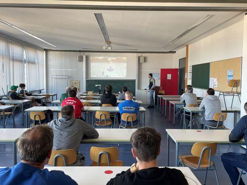 Vorbereitungslehrgänge 2021 – SchiedsrichterInnen im Bezirk AES sind fit für die anstehenden Hallenrunde